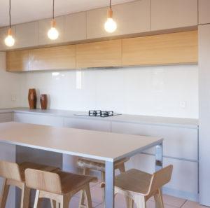 Vue ilôt cuisine- rénovation d'une cuisine- architectes toulouse- saarchitectes