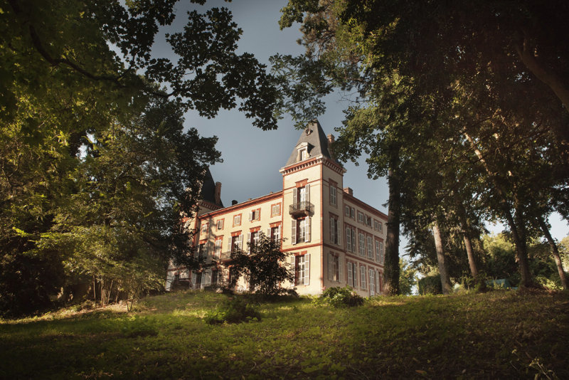 photographie façade chateau de Fiac hôtel REVIVO