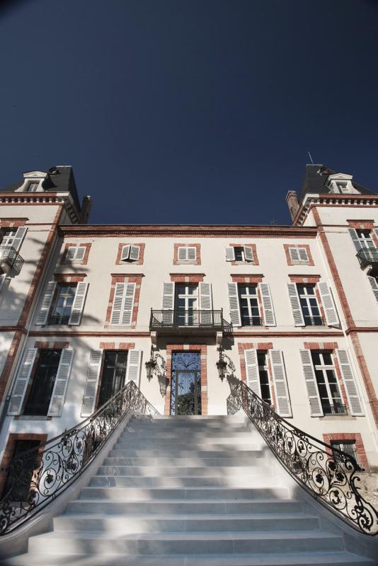 photographie façade château de Fiac Hôtel Revivo