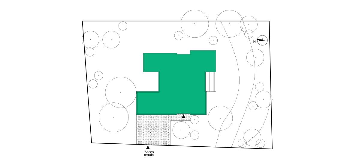 La maison est un volume compact s'ouvrant largement sur le paysage. L'accès se fait depuis l'angle Nord du terrain.