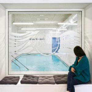 Vue cadrage entrée - rénovation cabinet kinésithérapeutes toulouse- architectes toulouse