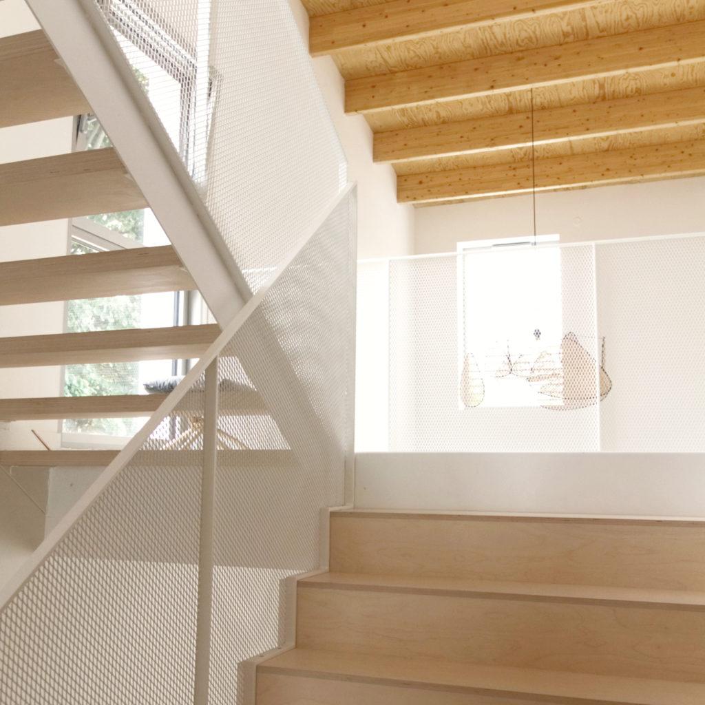 MaisonPP- double hauteur- escalier bois béton métal- architectes toulouse-saarchitectes